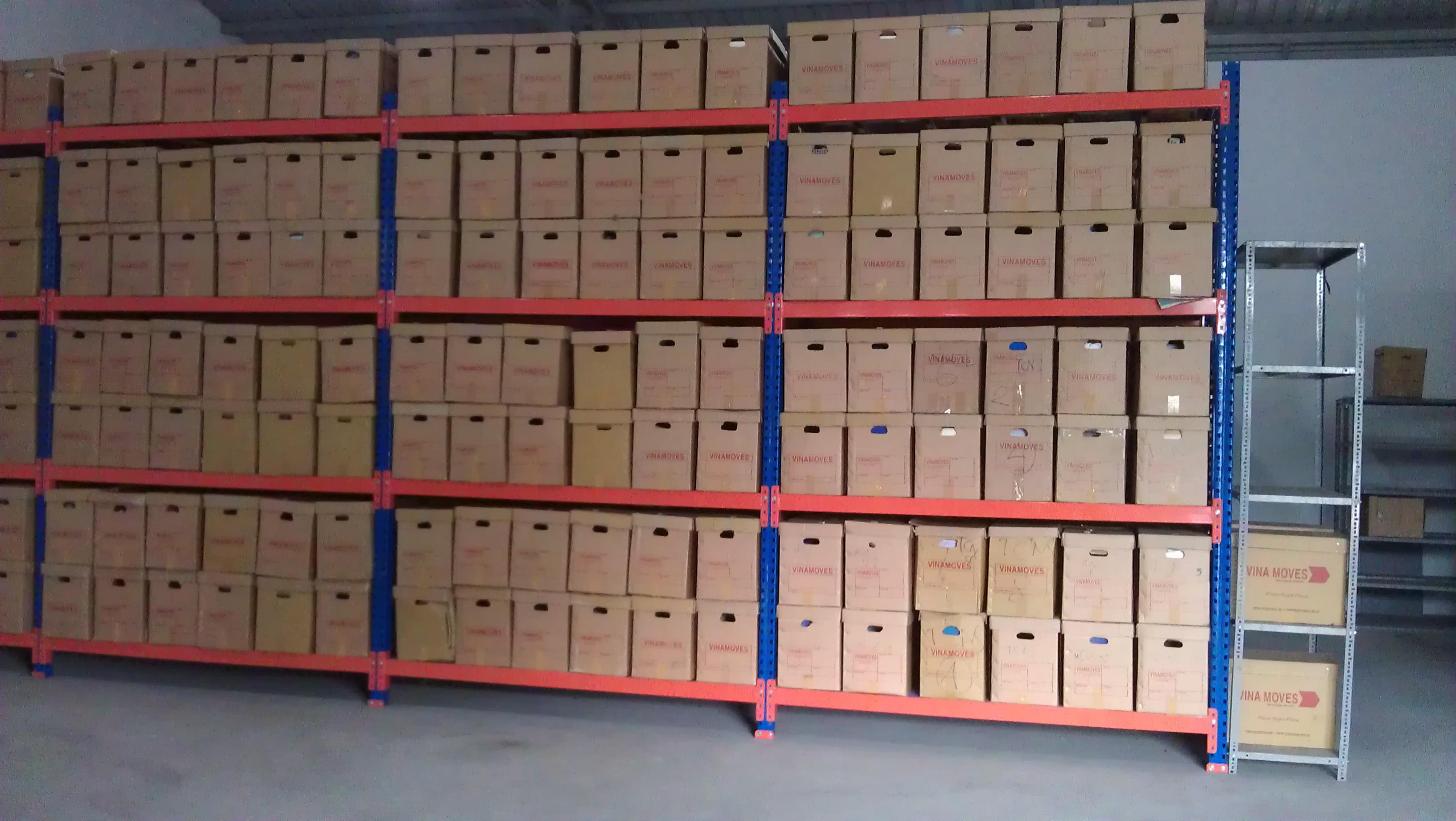 Thùng và kệ lựu trữ hồ sơ